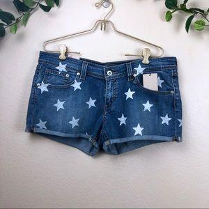 Levi's • Star Print Denim Shorts • Size 31 Short